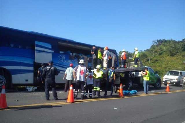 Fallecen 6 en accidente de autobús que salió de Puebla a Chiapas