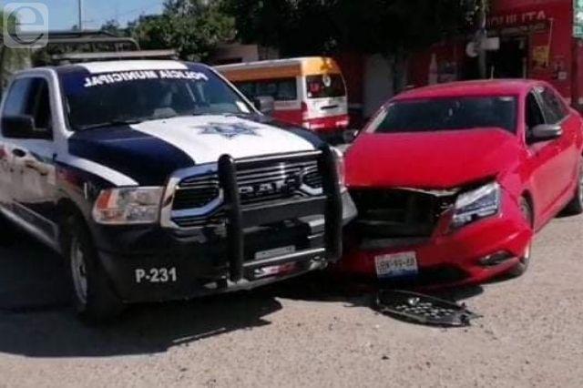 Choca patrulla de la policía de Tehuacán contra particular