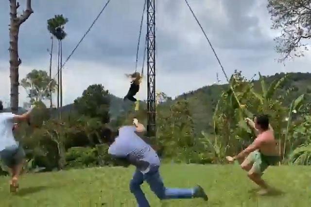 Sufren aparatoso accidente por imitar a los 'Voladores de Papantla'