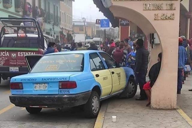 Policía vial del estado choca en Zacapoaxtla y se da a la fuga