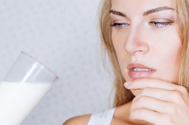 La leche y sus derivados ¿son los culpables de provocar acné?