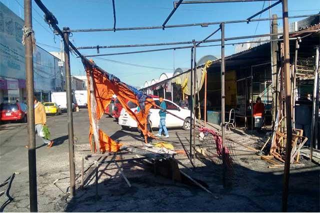 Incendio en mercado La Acocota deja 3 puestos afectados