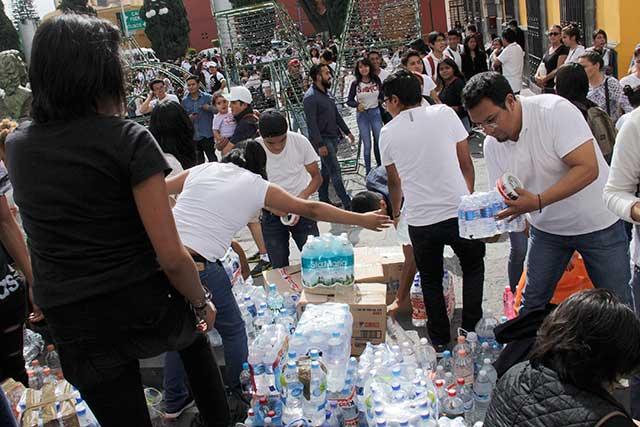 Fluye de todos los sectores la ayuda para damnificados por el sismo