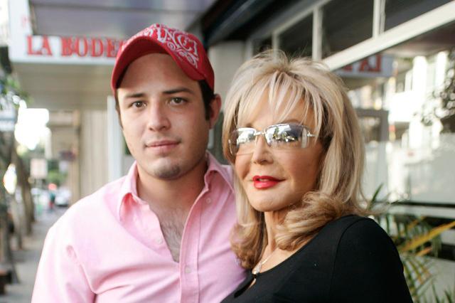 Hijo de la actriz Merle Uribe fue apuñalado y piden donadores de sangre