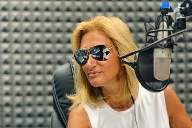 Así se veía Adela Micha hace 34 años y mira su primera transmisión