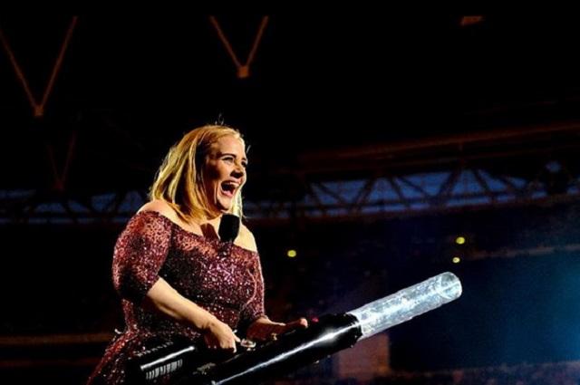 Foto de Adele deja en shock a sus seguidores por lucir muy delgada