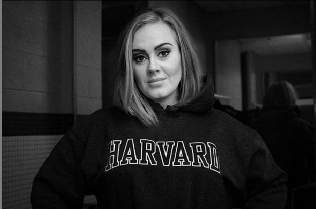 Adele solicita el divorcio a su esposo Simon Konecki