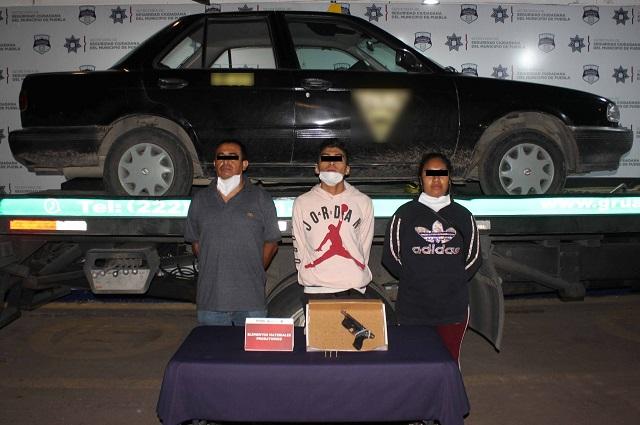Policía Municipal de Puebla asegura tres armas de fuego