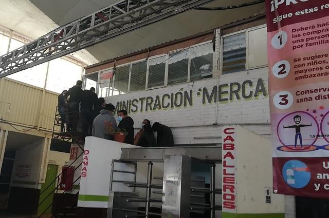 Piden cese al director de La Purísima por renta de puestos