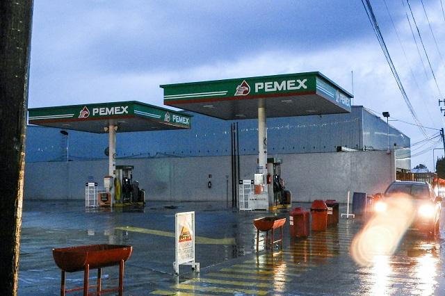 Tras corregir anomalías reabren tres gasolineras de Othón Muñoz