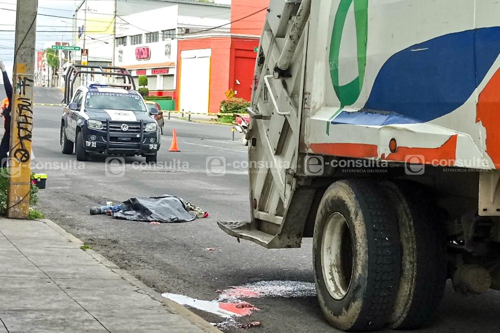 Muere al caer de camión recolector de basura, en El Cerrito