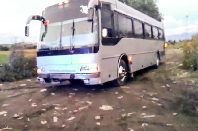 PF detecta camión de turismo con 9 mil litros de diésel, en Huejotzingo