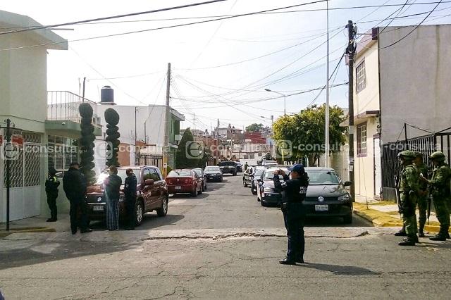 Simulan ser personal de CFE para asaltar casa en La Hacienda