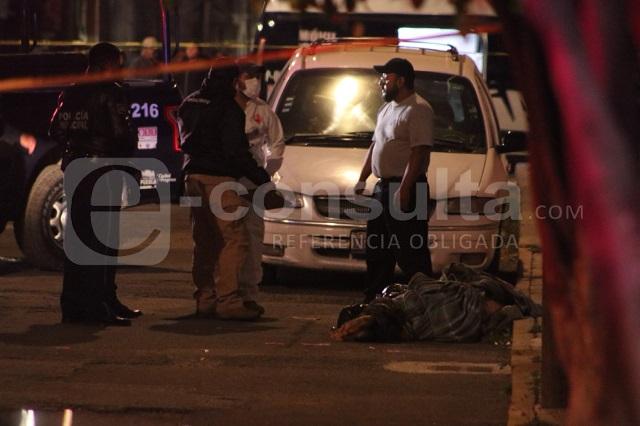 Tiran dos cadáveres embolsados y con narcomensaje, en Clavijero