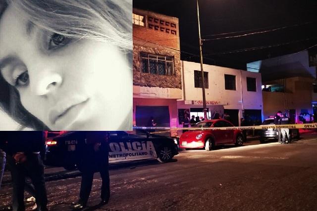 Ladrones sí dispararon a mujer en asalto a estética en Puebla