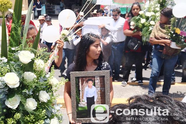Sepultan a niño asesinado en asalto en San Andrés Cholula