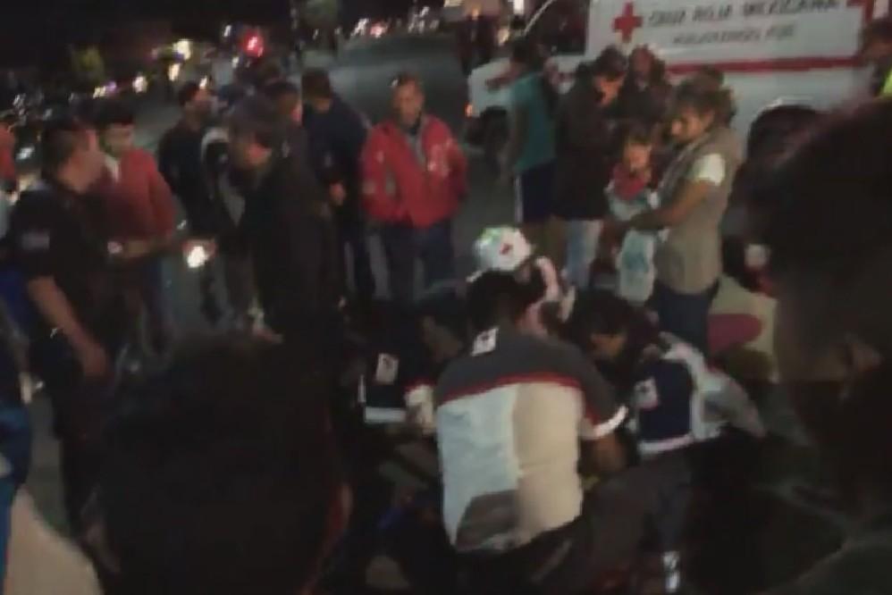 Sujeto atropella a familia y choca 2 autos en la carretera a Huejotzingo
