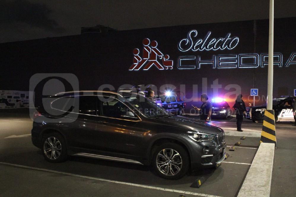 Víctima iba armada y enfrentó a ladrones en Chedraui Selecto