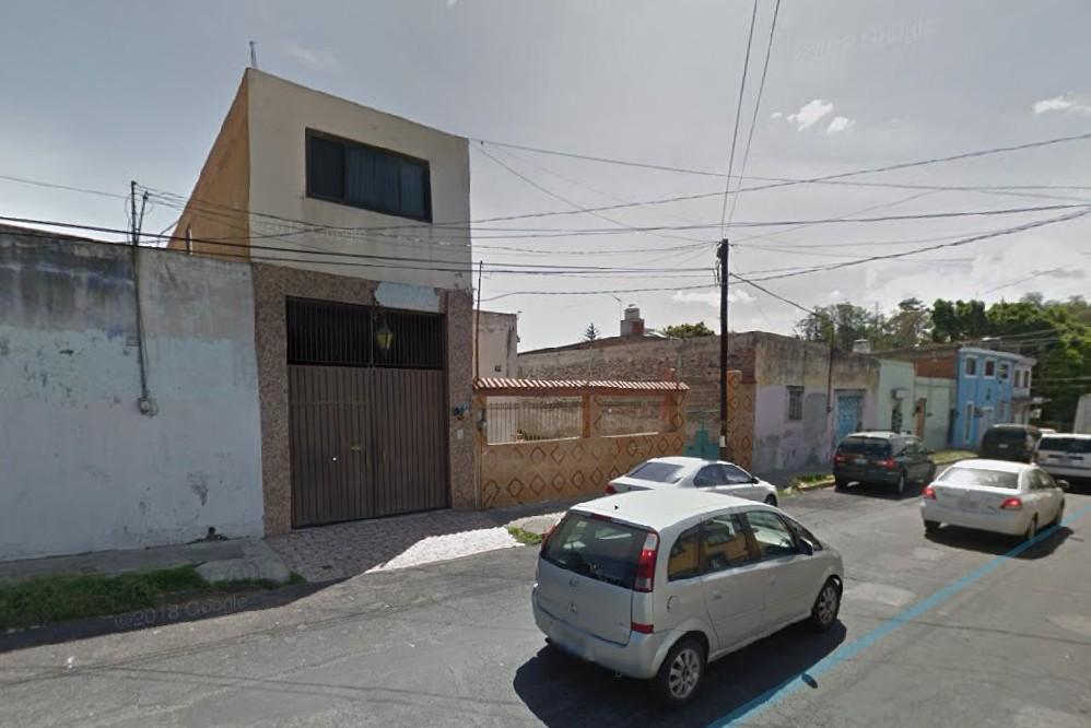 Matan a madre e hija para robarse un coche en Xonaca
