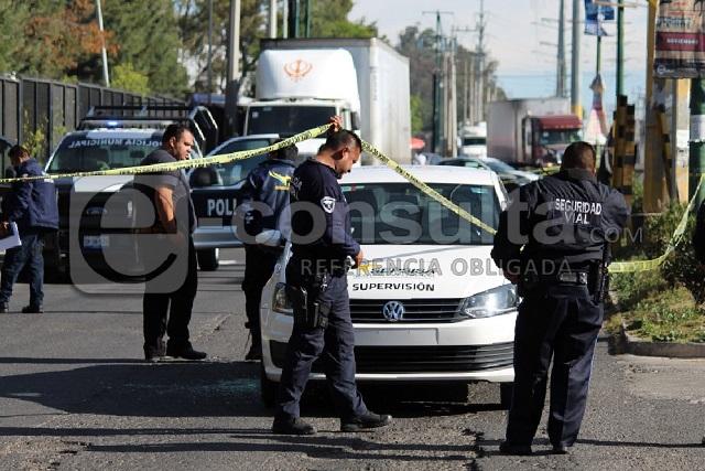 Se llevan camión de Coppel y a dos custodios, en Puebla