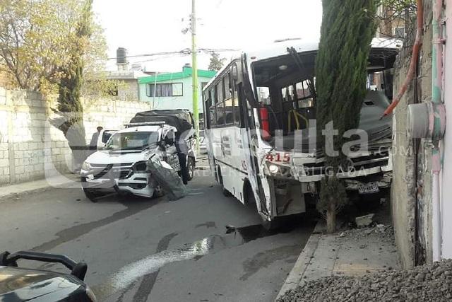 Chocan RUTA y patrulla en Temoxtitla; hay 8 heridos