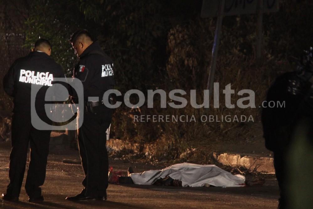 Atropellan y matan a un hombre en la lateral de la Puebla-Orizaba