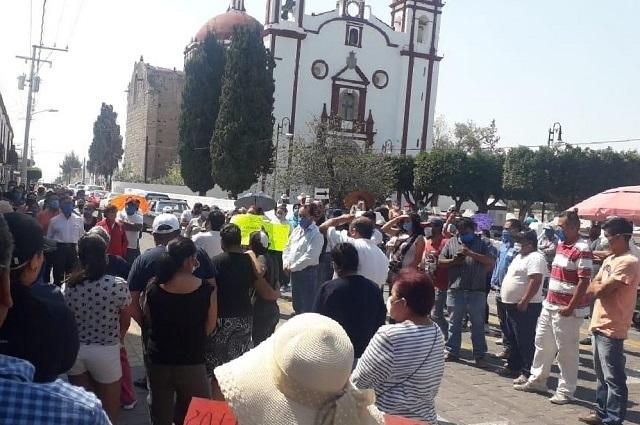 Protestan por cárcel y panteón Covid en Tecali y Totimehuacán