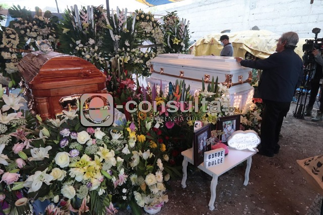 Tras 5 días entregan restos de madre e hija asesinadas en Acajete