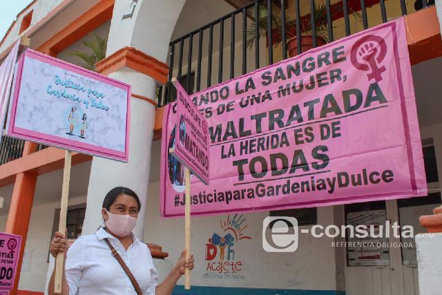 Marchan en Acajete contra el feminicidio de Gardenia y Dulce