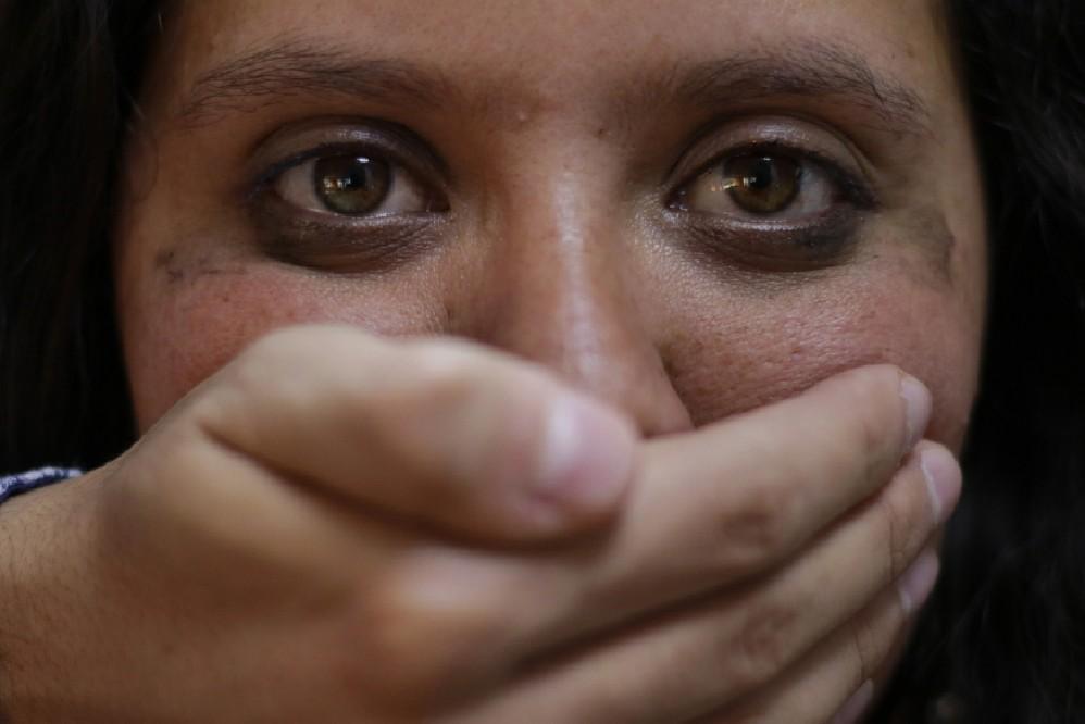 Mujer llegó a Puebla desde la Sierra Norte y la mataron a puñaladas