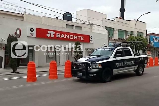 Sujeto acude con documentos falsos a Banorte de El Carmen