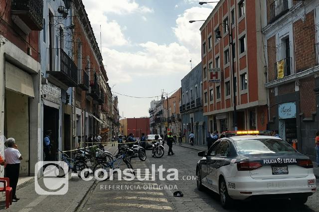 Lo sorprende la muerte en calles del Centro de Puebla