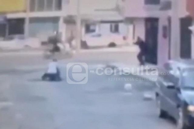 Asaltante toma de rehén a mujer durante persecución en Puebla