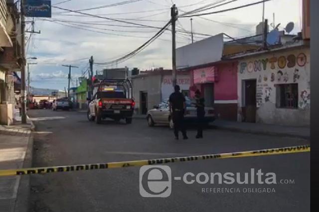 Matan a empleado de Banco Azteca tras asalto en Atencingo