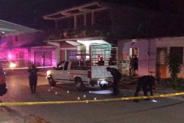 Matan a tiros a un niño y dos adultos en Xicotepec