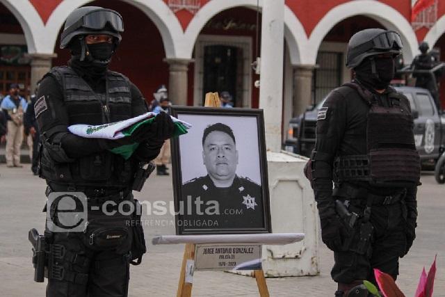 Toño murió por Covid, era policía y estudiaba maestría en Puebla