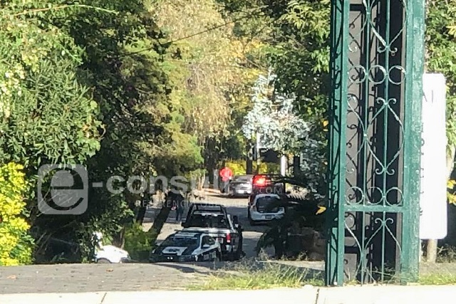 Navajean a mujer en asalto frente al MM de Las Ánimas