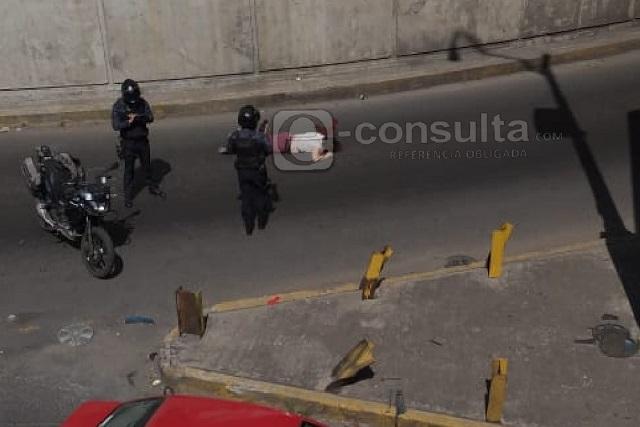 Mujer muere al lanzarse del distribuidor vial de la CAPU