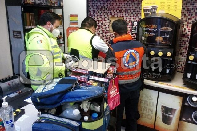 Cajera se electrocuta en tienda Oxxo de Los Fuertes