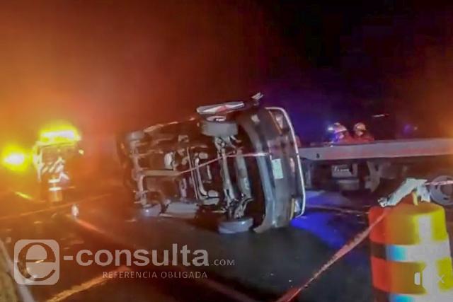 Muere mujer tras volcar vehículo en el que acudió a Chignahuapan