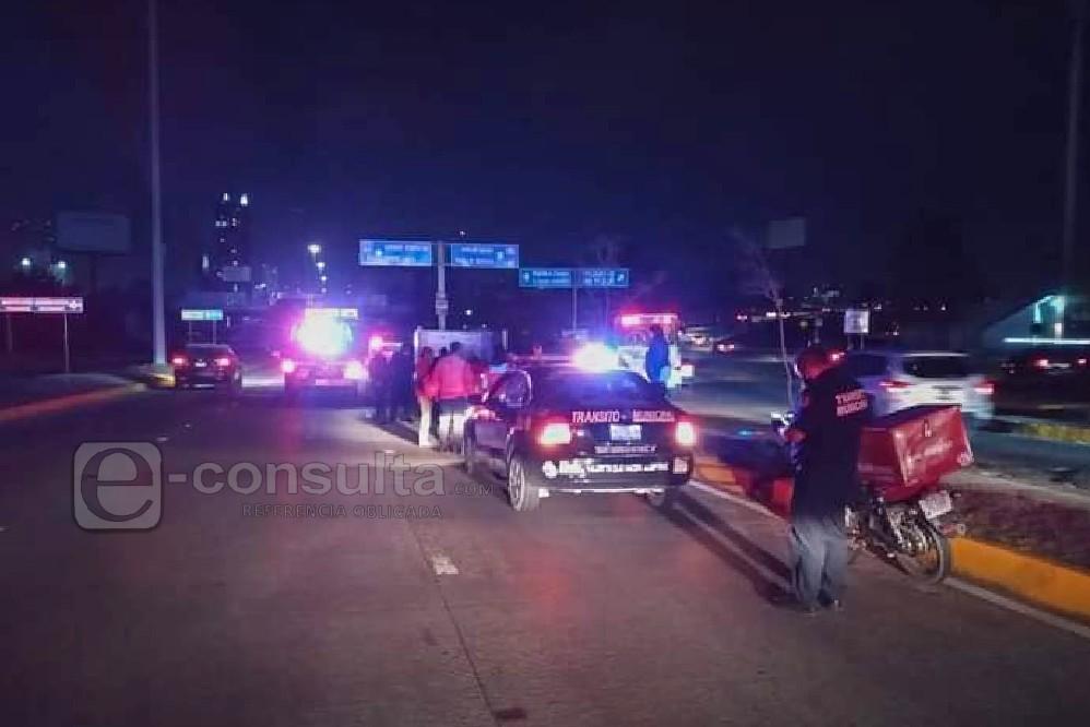 Choca moto con patrulla de San Andrés en la Vía Atlixcáyotl