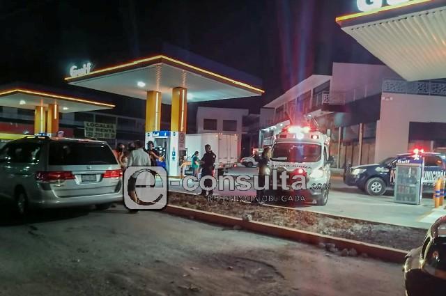 Roban Tiguan a madre e hijo, en gasolinera de San Andrés Cholula