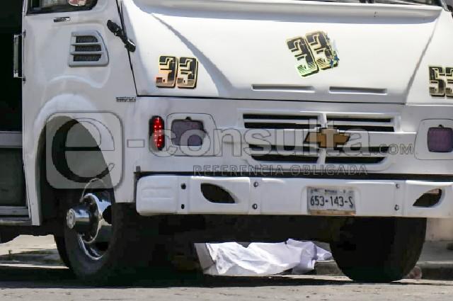 Ancianita muere atropellada por una Ruta 33 en el Centro de Puebla