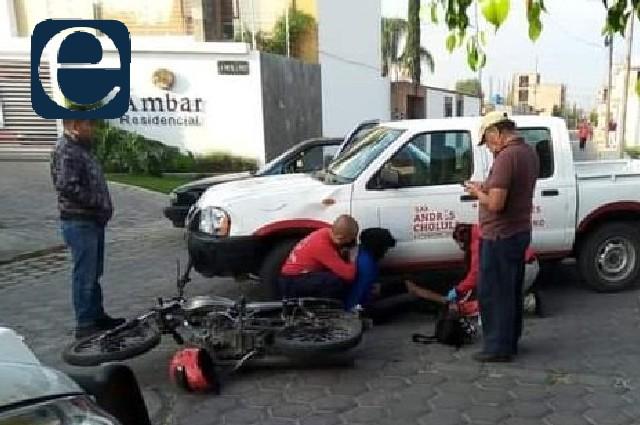 Camioneta de San Andrés Cholula atropella a motociclista