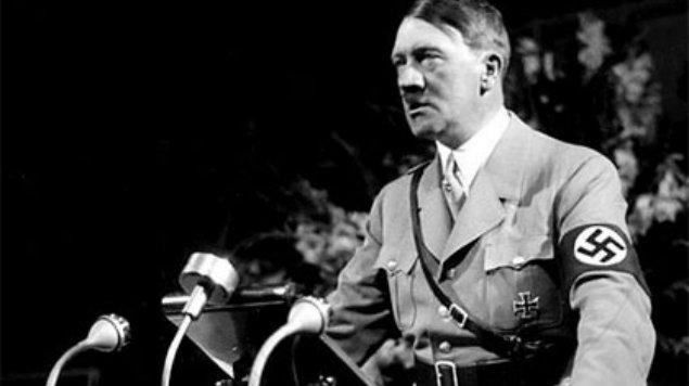 Hitler está vivo, se lee en archivo desclasificado sobre el asesinato de Kennedy