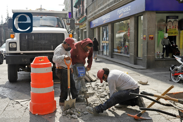 Seguridad, ambulantes y obras, deudas de Claudia Rivera: Canaco