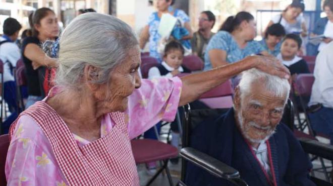 Adultos mayores, los más vulnerables ante intentos de fraude: Condusef
