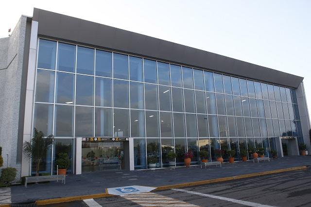 Simulacro de incendio en hangares en el Aeropuerto de Puebla