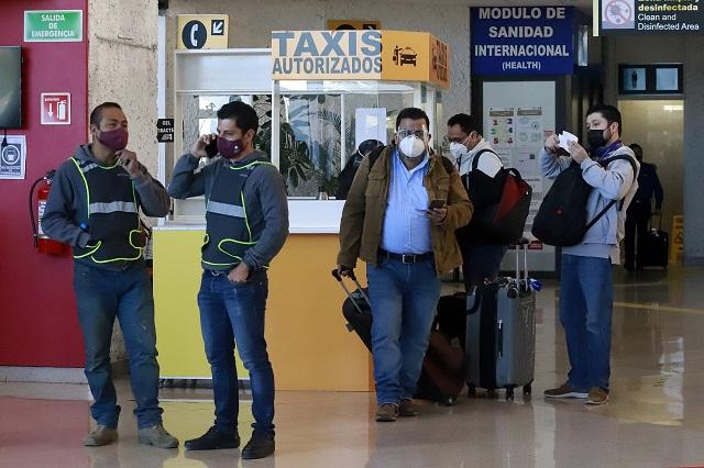 Cancelan vuelo Puebla-Cancún y quedan varados 700 usuarios