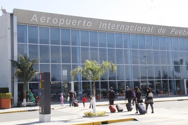 Cierre de aeropuerto de Puebla por ceniza del Popo afectó a 348 viajeros